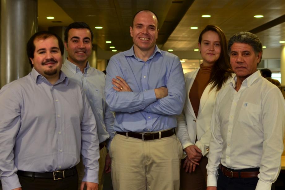 Maximiliano San Martin, Matías Ruiz, Francisco Wendt, Eugenia Mestre y Juan Carlos Castro, del equipo de Proyectos, a cargo de la certificación SAP AQM.